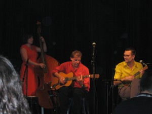 Ukulelezaza and the Red Cats